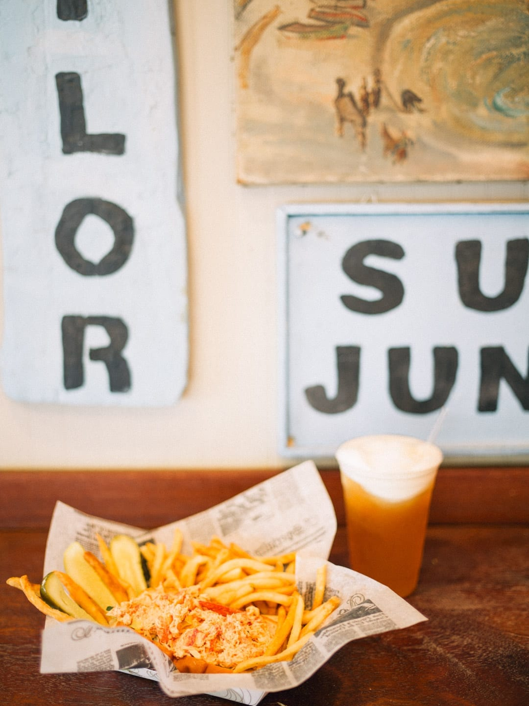 Martha's Vineyard Guide - Lobster roll, fries, and a beer