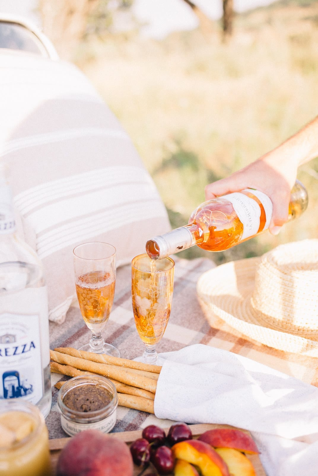 The Most Romantic Things - Moke Picnic for Two!